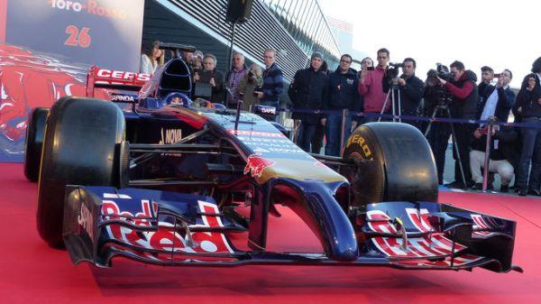 Toro-Rosso-STR9-Praesentation-Jerez-27-Januar-2014-articleTitle-abb809d4-750903