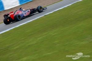Daniil Kvyat con el STR09 en Jerez