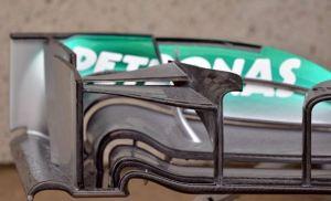 ala delantera del mercedes canada 2013
